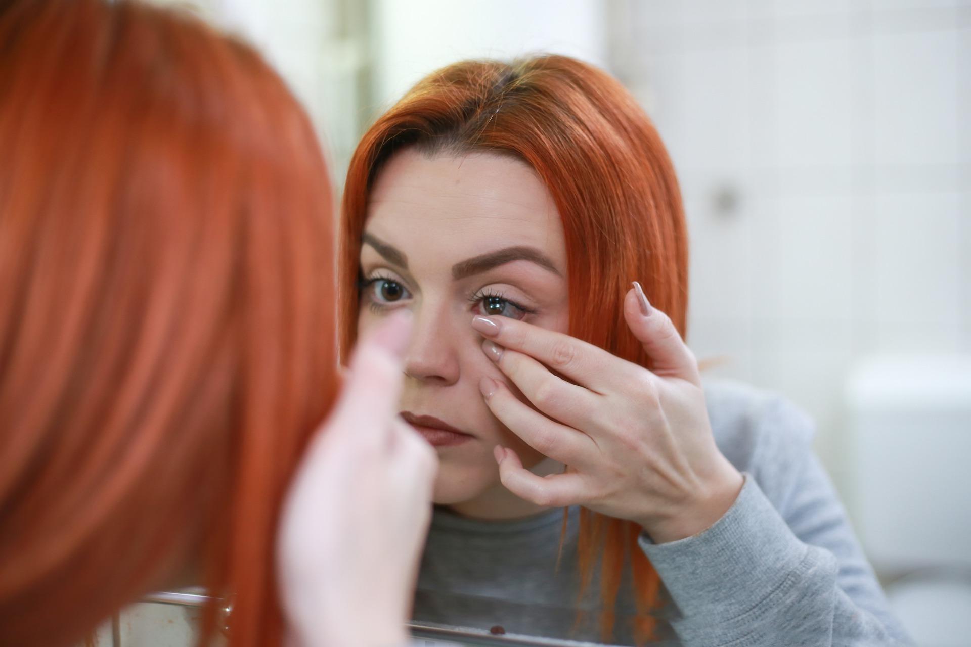 10 Consejos para cuidar tus lentillas en verano